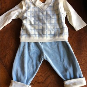 Boy's 2 piece outfit, size 6-12 mths